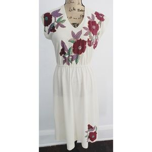 Vintage 70s Cream cinched waist floral dress